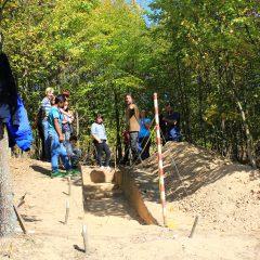 Meseria de arheolog dezvăluită copiilor pe şantierul de la Oarţa de Sus-Măgura