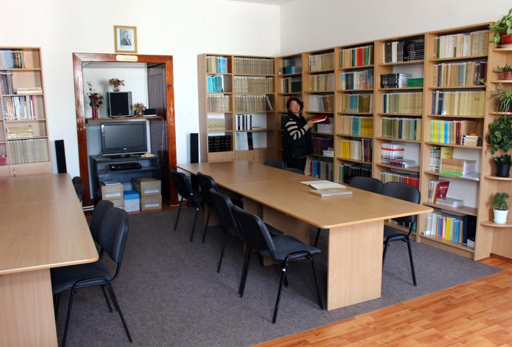 biblioteca_muzeului1