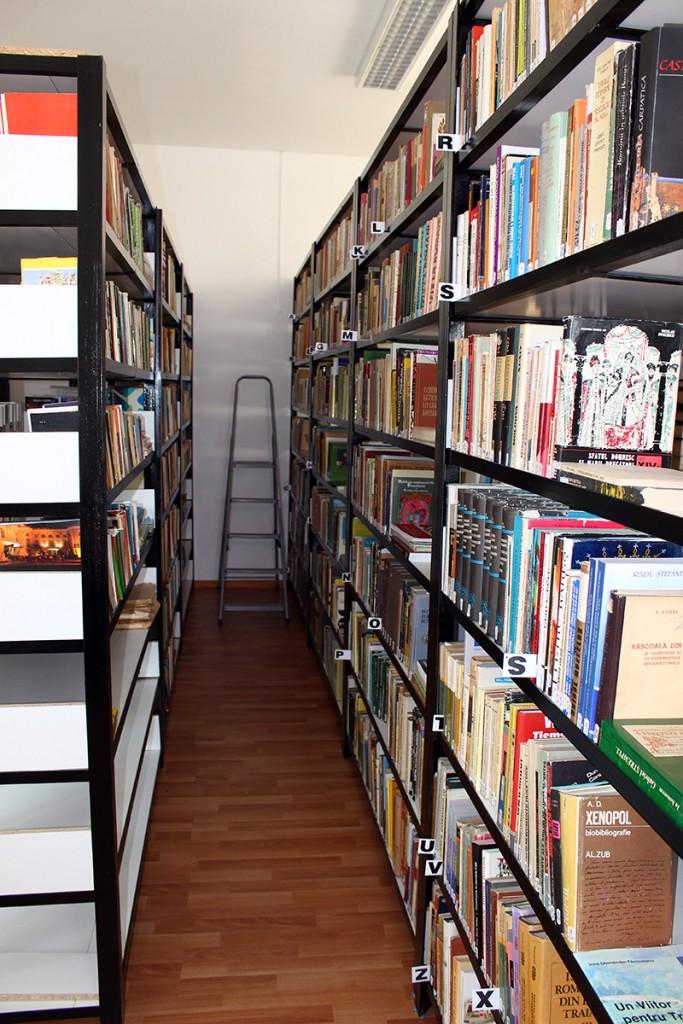 biblioteca_muzeului2